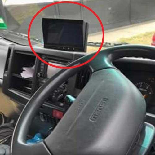 Truck-Reversing-Camera-Kit-04